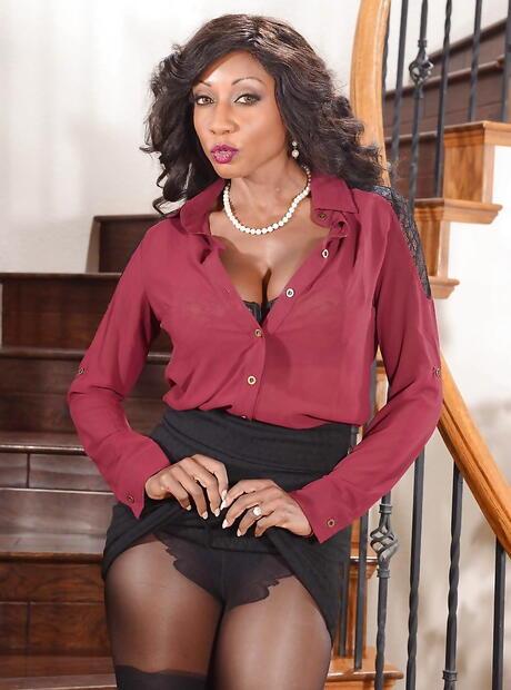 Hot Ebony Wife