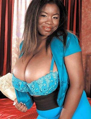 Hot Ebony Big Tits